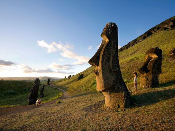 easter-island-statues_8858_600x450